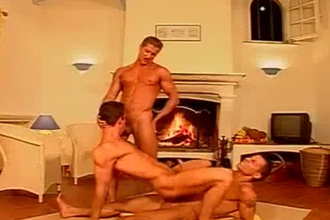 delicious Muscle 3some