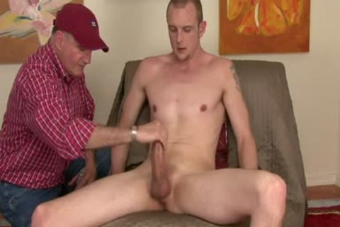 Tall Hung str8 Blond let's Me Touch Him.