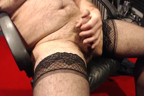 I Love To jerk off In My Nylons. Love To Wear them In raunchy Encounters As Well.