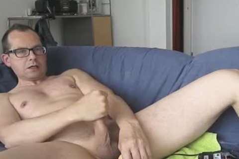 I Had enjoyment With My fake penis. The Package Of It Says; Model Jeff Stryker. Could Not Check If It Was actually A Jeff Stryker Look A Like. he-he.