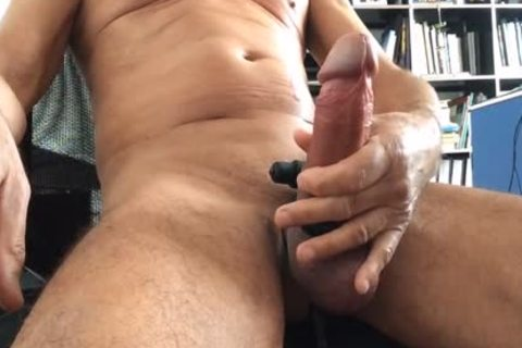 Very pretty Play With My Precum And The dildos! I Hope u enjoy Thes Vid And I Like The Comments And The Vote
