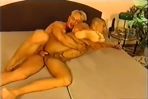 slutty Looking And ready Hungarian darksome guy Gives His All To A Fake Blond Top