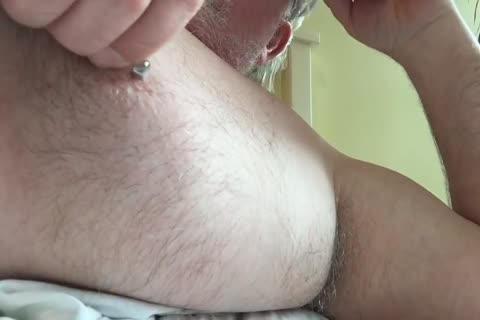 This Week's clip Focuses On My nipple And My Armpit. I Tweak My teats Until It Makes My cock Hard, Then I jack off And wank Until I cum. lastly, I Rub My BearChub Load Into My Armpit Hair For u To engulf.