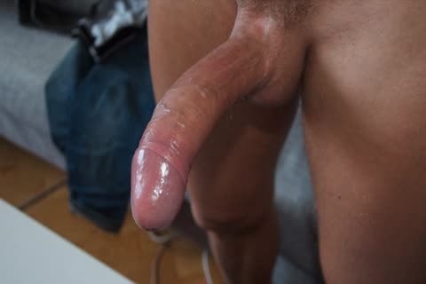 """u Have Probably Seen he B4 From The """"cumcontrol"""" video scene A scarcely any Months ago. today that guy Came To My abode For Som Massage, Rim And daddy Fashioned Cocksuck"""