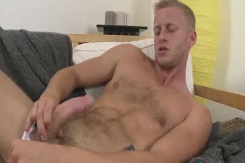 pretty Denis Reed Working Out A Messy Load Out Of his balls