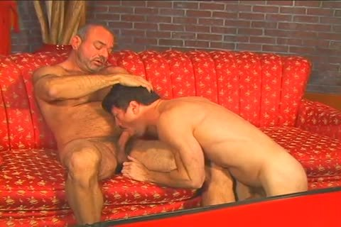 wet homo stud Muscle Mike pokes Patrick Ives