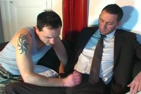Full clip: A blameless Neighbour Serviced His enormous wang By A lad!