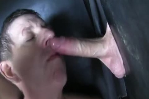 Super monstrous Uncut 10-Pounder straight Aussie Max get's Sucked Off At The Gloryhole.