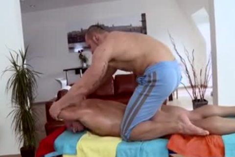 Muscle Daddy anal job And Massage