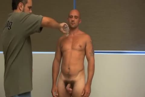 SSG Aussie Matt loves A dildo