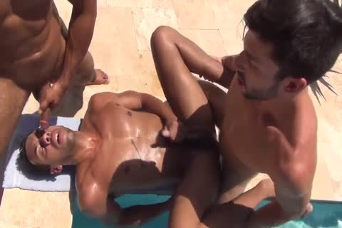 11-26 8 Poolside bare threesome