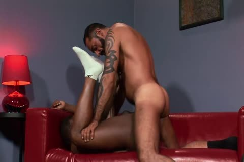 12-14 14 Bearded Hunk acquires A oral enjoyment And A fuck