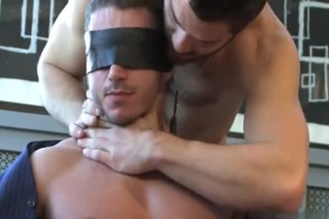 Muscle homo blowjob With cumshot