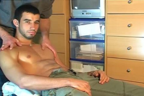 Fabio, virginal Delivery lad Serviced His humongous dick By A lad!
