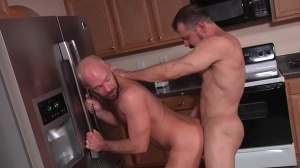 The Straight man - Mike Tanner, Max Sargent anal nail