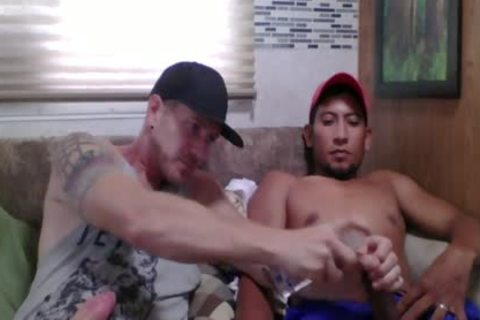 Straight Latino Construction Worker acquires First handjob From A chap (Martin two)