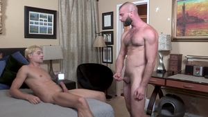 FamilyDick: Sweet Taylor Reign gets nailed rough