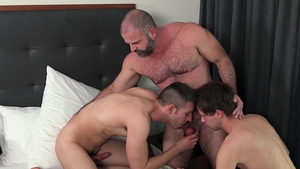 Family Dick: Sex together with Maxx Monroe & Kyle Travers