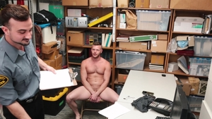 YoungPerps: Mason Lear enforcement in the store