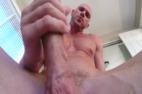 SinsLife Porn chap Johnny Sins Jerks Off while Working