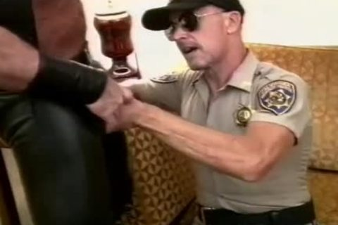 filthy Cop Unfathomable-face holes A beefy 10-Pounder And Makes It semen