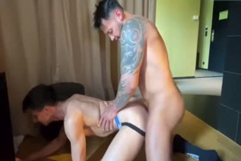 Viktor Rom Dominates A favourable Client