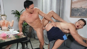 Drill My Hole - American Reese Rideout rushes ramming hard