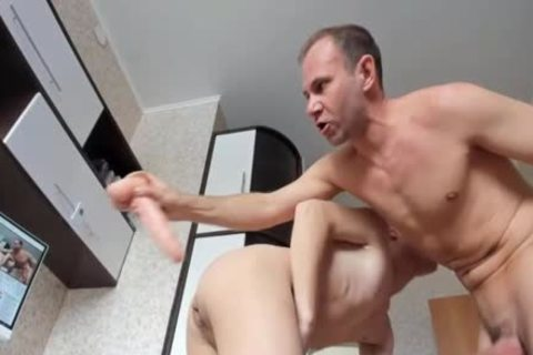 Russian Daddy Uses twink's aperture Live On Cruisingcams.com
