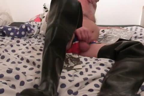 nlboots - jerking off in waders on bed