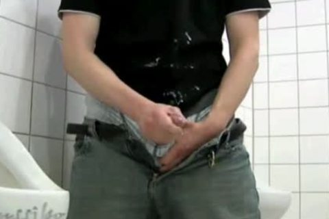 that chap SUCKS HIS OWN rod IN THE RESTROOM!!